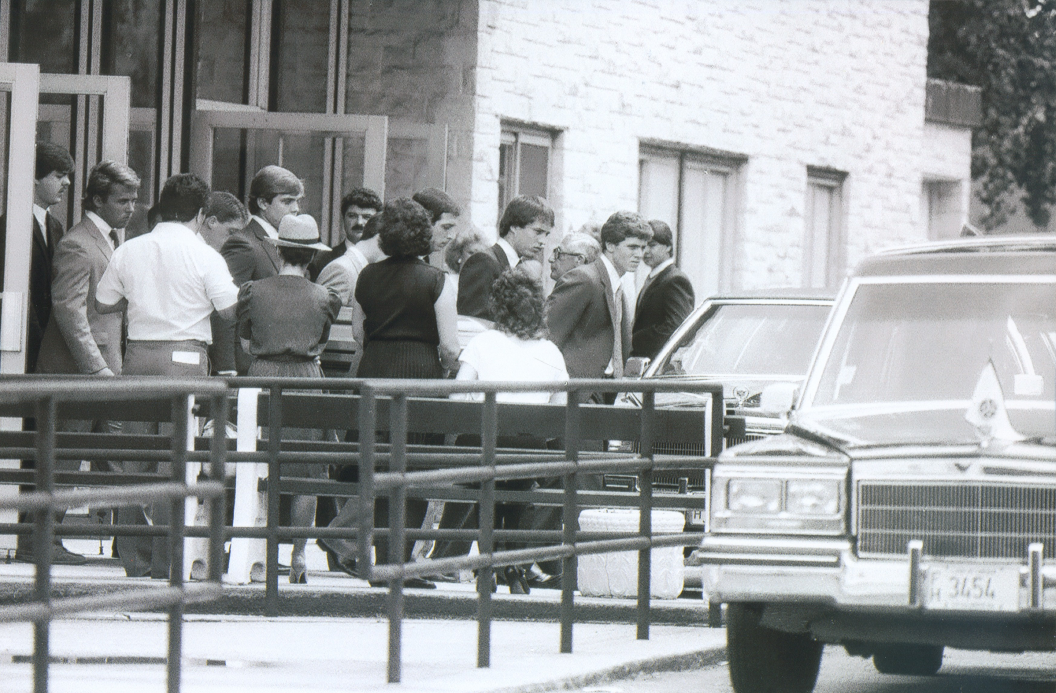 Mchenry County 1981 Tony And Michael Spilotro Being Carried